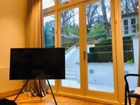 TV Studio Stand (2018) VG-STSM11B/XY - Samsung TV Frame