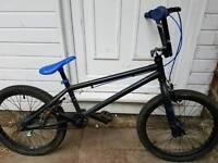 Boys 20 inch Cuda bmx bike