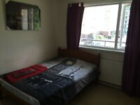 SHORT OR LONG TERM DOUBLE ROOM TO RENT IN PUTNEY HEATH AVAILABLE NOW,ALL BILLS INCLUSIVE
