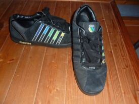 MEN'S K SWISS BLACK TRAINERS - SIZE 11 - VERY GOOD CONDITION