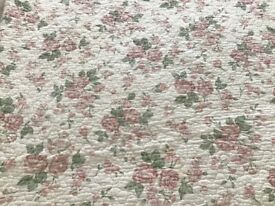 Pretty floral quality lined kingsize cotton blanket/throw