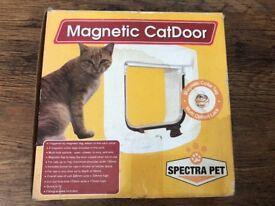 Brand new Magnetic Cat Door by Spectra Pet £5