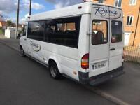 Mercedes sprinter 412 minibus/couch 17 seater