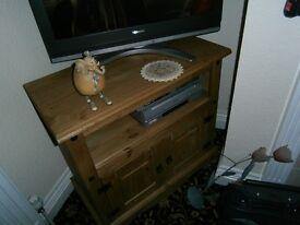 CORONA- PINE TV STAND