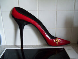 Ladies Large Stiletto Shoe Red & Black Metal For Hanging