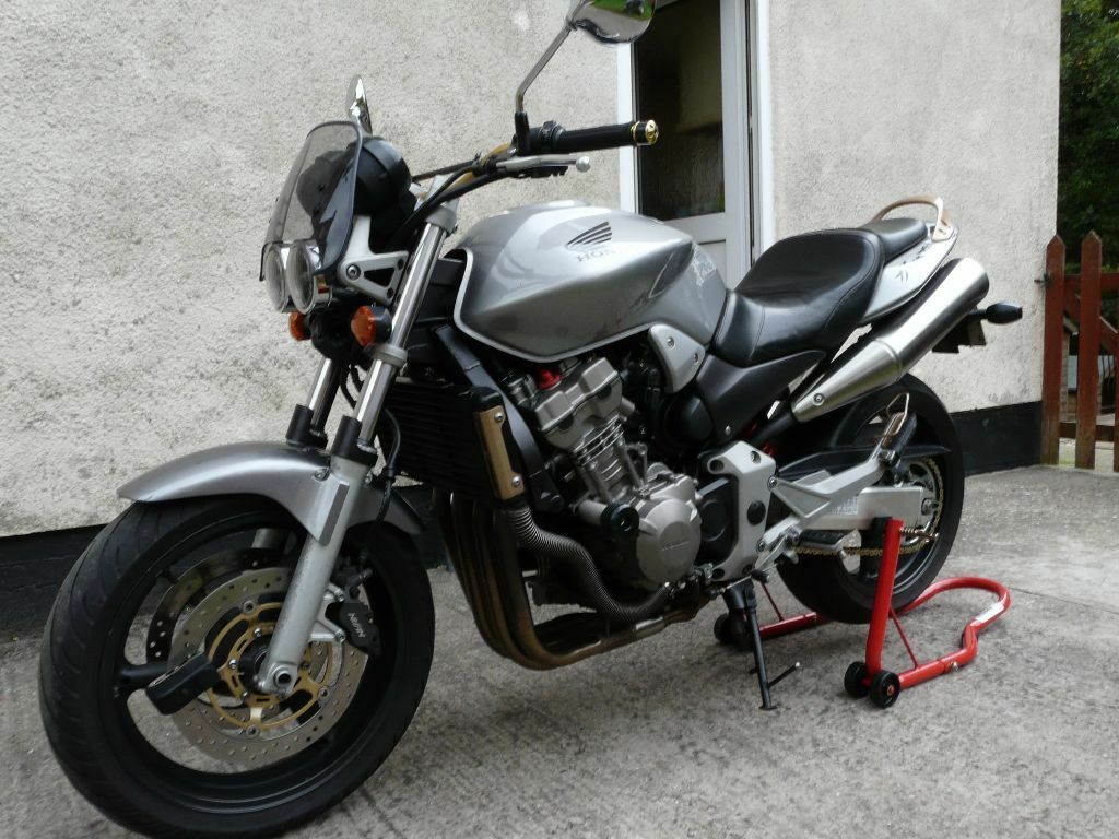 Honda Hornet 900 2005 Great Bike Just Serviced Naked