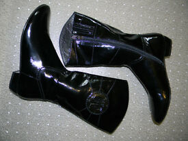 Patent leather ladies boots. Size 38