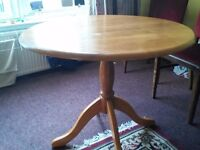 CIRCULAR PINE DINING TABLE