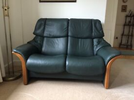 Stresless leather sofa. 2seater very good condition, recliner .
