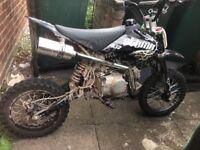 110cc stomp pitbike good condition needs back brake bleeding an handle bars slightly bent ring today