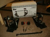 DW 2002 DOUBLE BASS DRUM PEDAL ... NEW