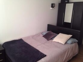 Nice furnished studio near Brixton Station AVAILABLE IMMEDIATELY for rent.