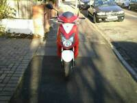 HI NICE BIKE FOR SALE.SYM JET4 125. LOW MILEAGE. ONLY 2500.PERFECT CONDITION. QUICK SALE.1050.ONO.