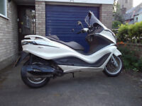Piaggio X10 350ie Executive (330cc) - £1650