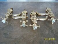 New High Quality Traditional Bath & Sink Pillar Taps - Gold