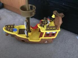 Jake and the neverlanad pirate boat