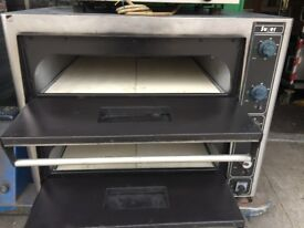 "SERVICED SECOND HAND PIZZA OVEN 8 X 13"" CATERING COMMERCIAL EQUIPMENT KITCHEN RESTAURANT CAFE KEBAB"