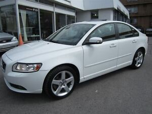2011 Volvo S40 T5 Level 2 ( !! 59000KM. TOIT, IMPECCABLE !! )