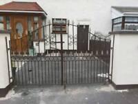 2x 4 Ft Matching Driveway Pedestrian Gate and Railing