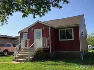 $210,000 - Bungalow for sale in Redwater Edmonton Edmonton Area image 1