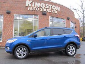 2017 Ford Escape SE AWD - $188 B/W - LOW KMS