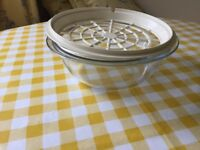 Large microwave oven dish with draining grill
