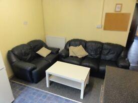 Student House (USW) - 5 Bedrooms in Brook St Treforest, Pontypridd.