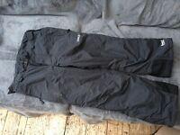 Black ski pants size 150cm