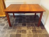 Extending Leaf Dinning Table, Sideboard and 4 x Chairs