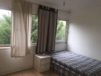 GOOD SIZE DOUBLE/TWIN ROOM..IN A NICE HOUSE WITH GARDEN AND SITTING ROOM..£180 PW (BILLS INC)