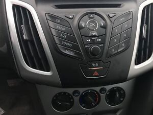 2012 Ford Focus SE Drives Great Very Clean !!!! London Ontario image 13