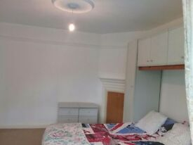 Double room next Brooks university £620