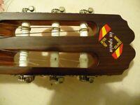 Guitar Spanish Beautiful Instrument. Also ideal beginner.
