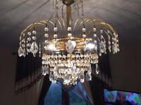 Beautiful Chandelier light it take 6 light bulbs