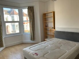 Newly Decorated 4 Bed Triplex Maisonette, Haringey / Finsbury Park