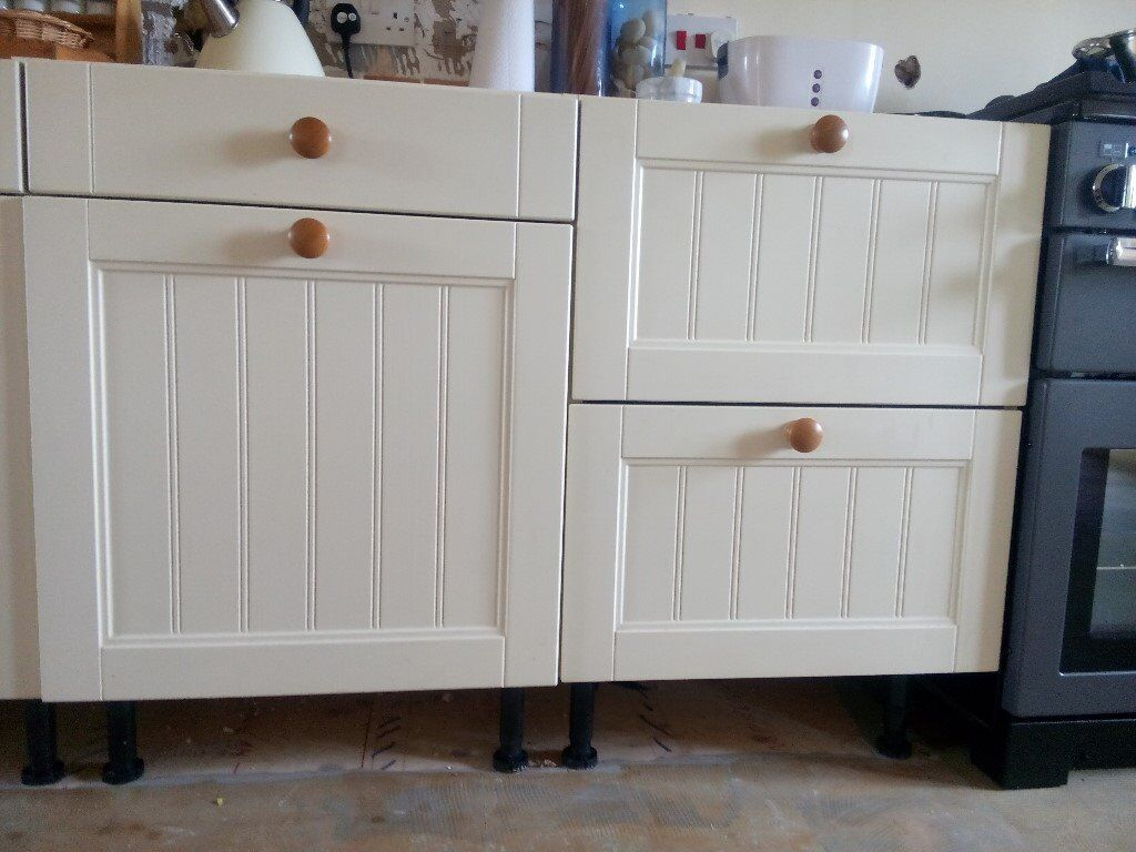 Tongue and groove kitchen cabinets - Superb Quality Ivory Tongue And Groove Kitchen Cabinet Doors In Excellent Condition