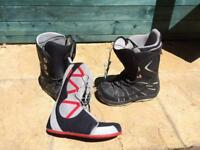 Burton Moto snowboard boots (size 6)