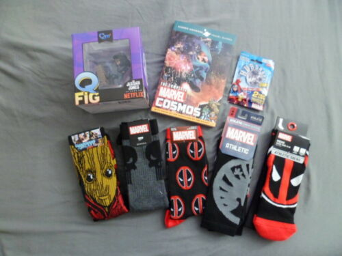 LootCrate Collectible Lot of 8~ Marvel Book ~ QFig ~ Socks ~ More Wholesale Gift