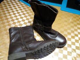 Girls Next brown boots size 4