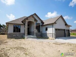$519,900 - Bungalow for sale in Lakeshore