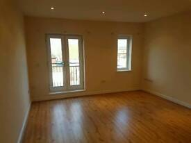 Large 2 Bedroom and 2 bathrooms flat