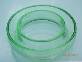 Vintage Green Glass Full Posy Ring