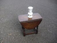 Great Vintage Solid Oak Small Side Coffee Dropleaf Table
