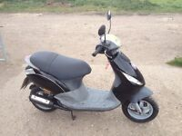 2001 Piaggio Zip 50 - 2 Stroke 50cc Moped Scooter - 12 Months MOT - Ready to Ride