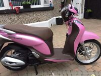 2015 honda anf125 mode- pink never used no miles must be seen free cbt test only £1999 finance etc