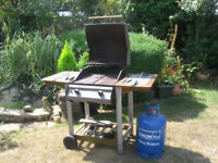 Large BBQ & Full 15kg Gas Bottle. Ready to use.