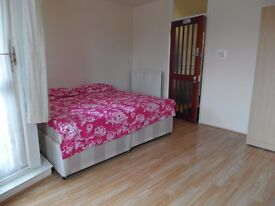 TWIN ROOM AVAILABLE NOW!!! ALL BILLS INCLUDED!! STEPNEY GREEN - ZONE 2! ONLY 100£ EACH!!
