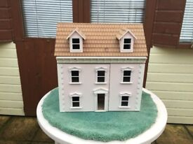 1/12th scale Dolls House - Fixed Price £20. No Offers.