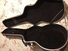 TGI guitar case black