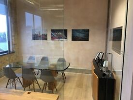 Modern Office Space in Hammersmith, london - flexible terms, desk, bills & wifi included
